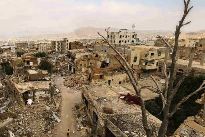 Aljahmaliyah neighborhood in Taiz after a year of intense fighting and shelling, November 2016.